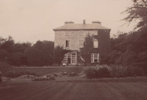 cropped south elevation from gardens Corravahan B&W c.1910 with HKL & fly